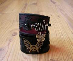Gothic and Steampunk Bracelet by miaka-yuuki