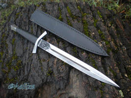 gothic dagger by hellize