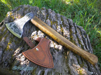 viking axe by hellize