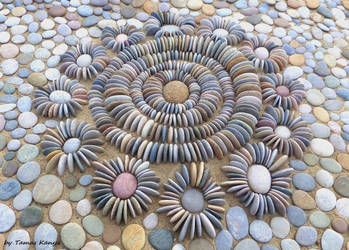 Pebble art-Land art from Hungary by tamas kanya by tom-tom1969