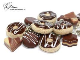 Bracelet with chocolate donuts by OrionaJewelry