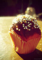 golden muffin by Iulia-Oprinesc