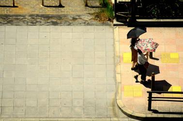 Sunny walk in Osaka by OcioProduction