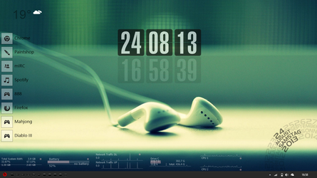 Win8 Aug 13 with Rainmeter by D-e-s-i-g-n
