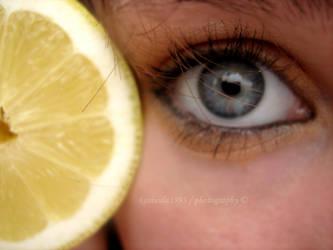 Lemon eye by Kasiuula1993