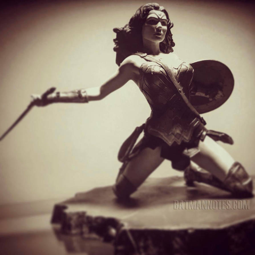 Wonder Woman PVC Diorama by Diamond Select Toys by batmannotes
