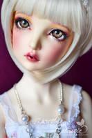 her big eyes by prettyinplastic