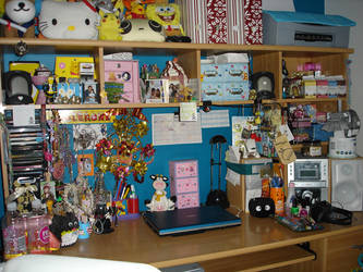 my desk by lil-angel-assasin