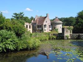 Scotney Castle by Fallenswordsman