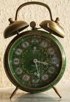 Retro alarm clock 04 by o0-Pyromancer-0o