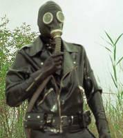 gas mask shots by XxGasMaskPhantomXx