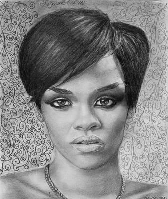 Rihanna by Yagmurengin