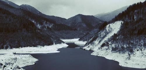 Nowhere.. by vinterrr