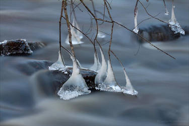 Cold Vibrations by rici66