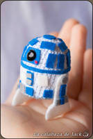 R2D2 Amigurumi (Star Wars) by cristell15