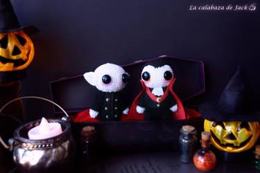 Nosferatu and Dracula Amigurumi by cristell15