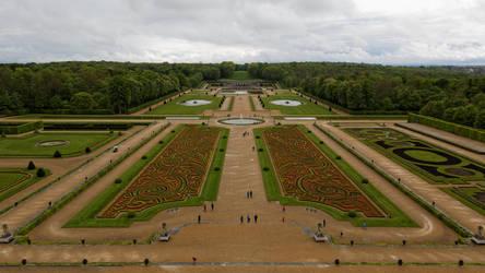 Vaux-le-Vicomte Gardens by Oaken-shield