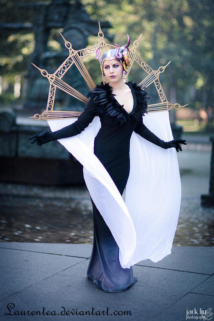 Succession of witches: Edea by Laurentea