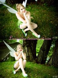 Tinkerbell: hmpf by Laurentea