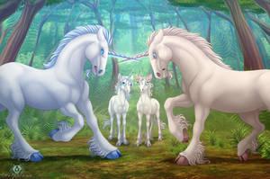 Unicorn Fight by DolphyDolphiana