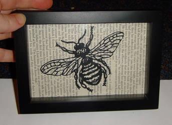 Papercut Bee by Carpe-argillum