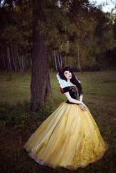 Snow White by KikoLondon