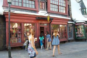 Outsid Zonko's Joke Shop by Prue126