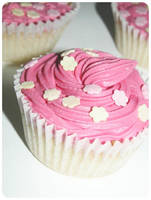 Pink cakes by ElectronicPineapples