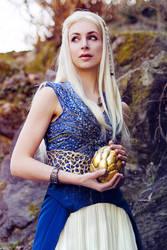 Daenerys Season 4 by Lena-Lara