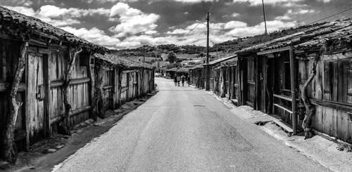 Roads Untraveled  by ynist