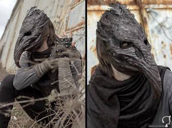 Black Death Crow Mask by FraGatsu