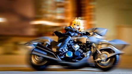 Blonde Biker by zh3us