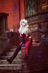 Harley Quinn by silverwolfieofficial