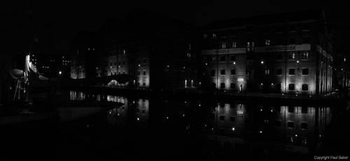 Gloucester Dock Warehouses BW by ogrebear