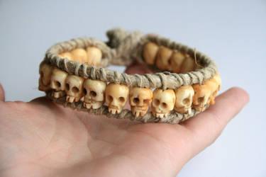 Hemp Skull Bone Bracelet by clroavieg