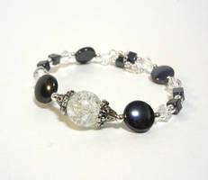 Hematite and crackle bracelet by Koreena