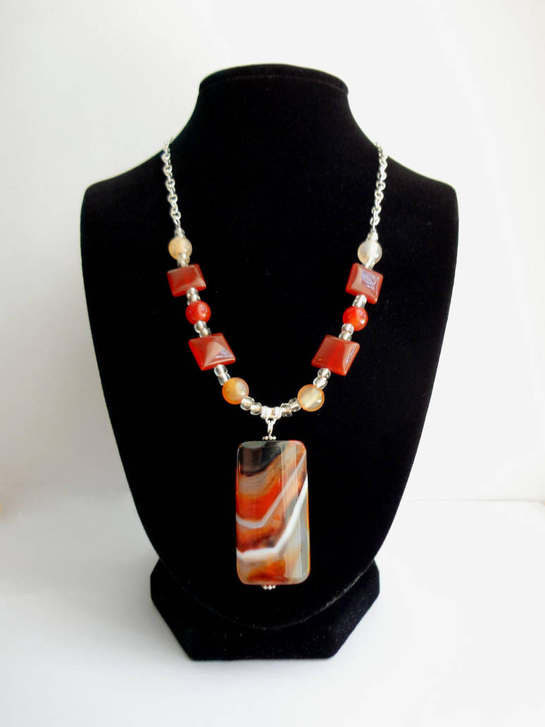 Agate necklace by Koreena