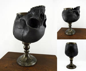 Blackened skull goblet by Koreena