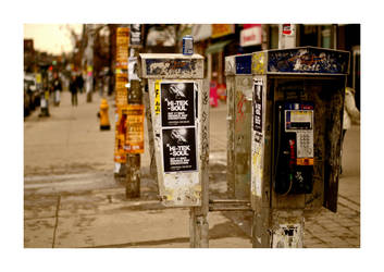 phones on streets by amazingPhotoboy