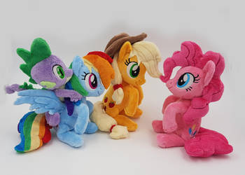 Dash , pinkie , AJ and spike mini beanies by Epicrainbowcrafts