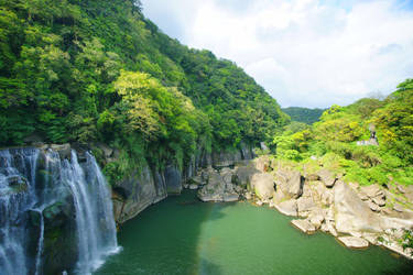 Shifen Waterfalls by josephacheng