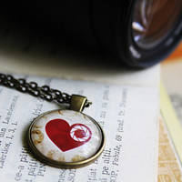 :  Camera Aperture Heart necklace : by candymax