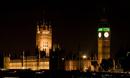 Parliament house in the night by Yupa