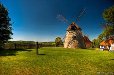 Kuzelov - wind mill by Yupa