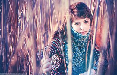 girl in violet smoke by dizzi-bizzi