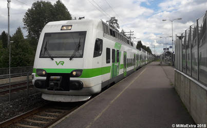 R-line train arrives at Saunakallio station by MiMaExtra