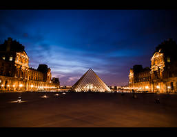 Louvre by night 6 by LeMex