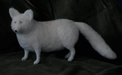 arctic fox by vriad-lee