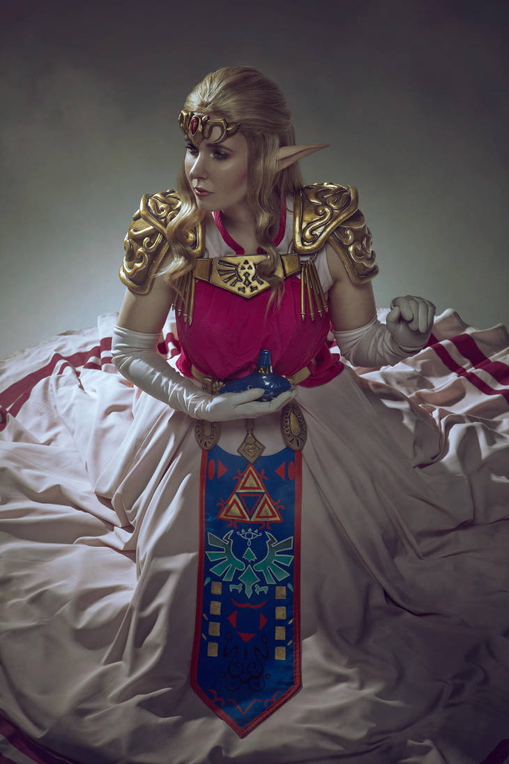 Princess Zelda OOT by SCARLET-COSPLAY