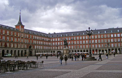 Plaza by goerf